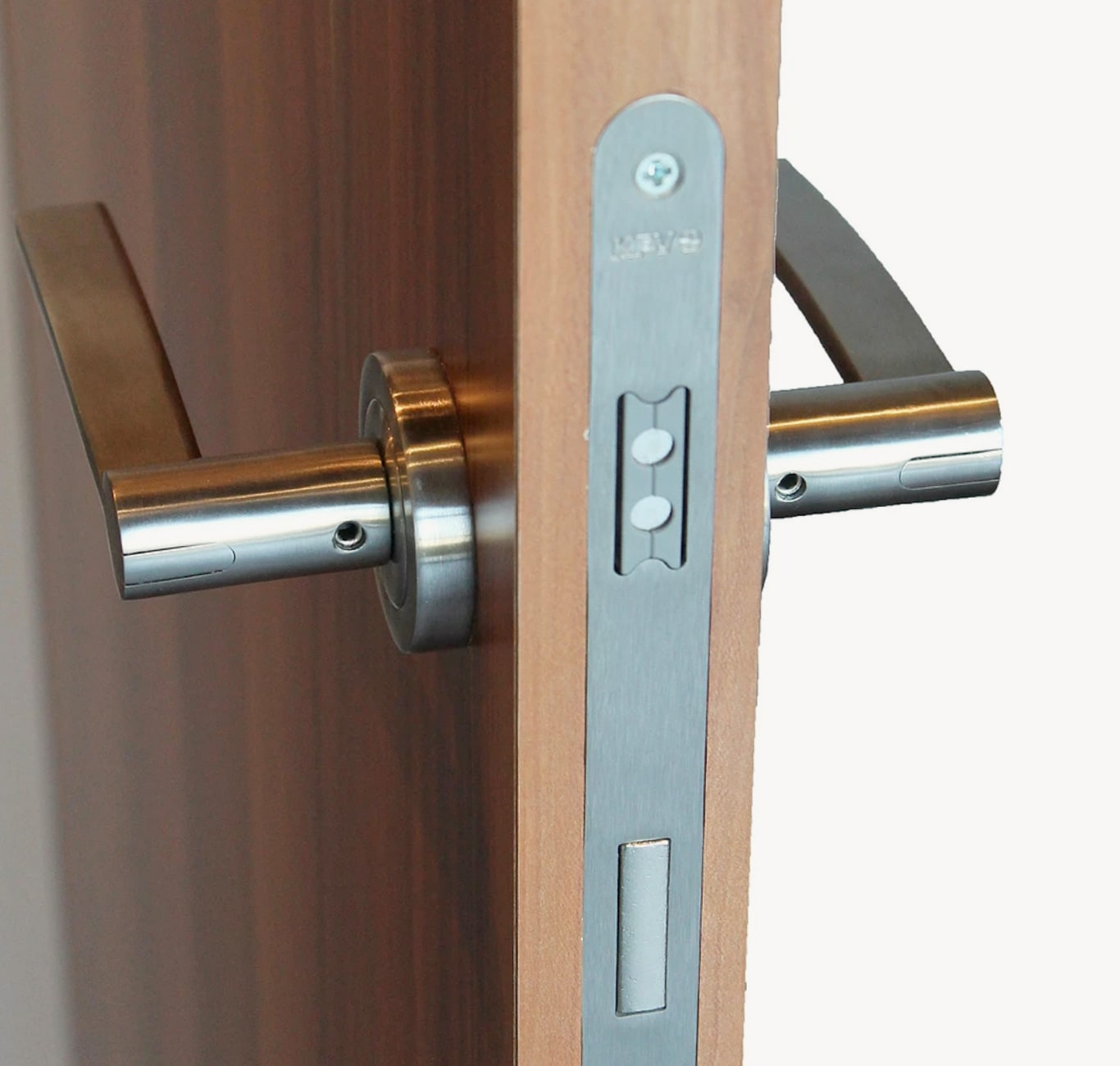 MAGNETIC MORTISE